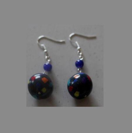 Boucles d'oreille perle multicouleur : Boucles d'oreille par ludifimo