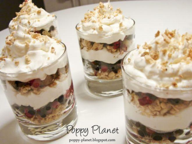Crema de iaurt cu fructe de padure