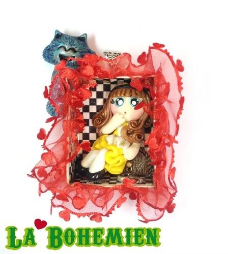 Pendente Diorama Alice in Wonderland