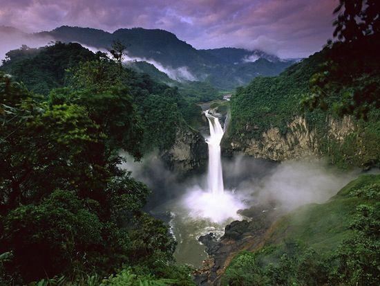 Многие путешественники и туристы в течение многих лет ищут все более экзотические места, которые могут удивлять, поражать и оставлять незабываемые эмоции. Мы подобрали самые интересные