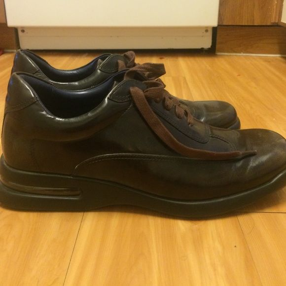 Cole Haan air Conner  Dark Brown Shinny Leather Very nice Cole Haan Shoes Sneakers