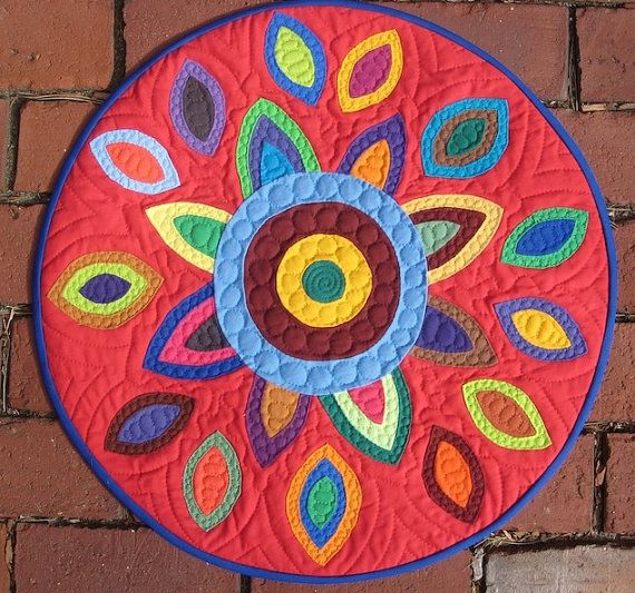 In Bloom - small applique red quilt