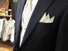 カジュアル過ぎず、ドレス過ぎない絶妙なチェック柄タキシード♪|結婚式の新郎タキシード|新郎衣装はメンズブライダルへ