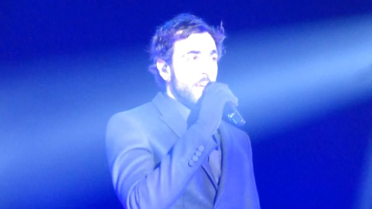"MARCO MENGONI-""AD OCCHI CHIUSI(LIGHT IN YOU)""@CONCERTO CAPODANNO 2016/2017"