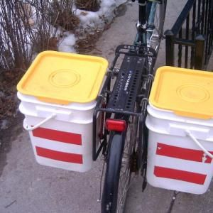five gallon bucket bike cargo
