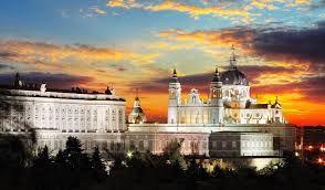 Resultado de imagen de galerias palacio real madrid