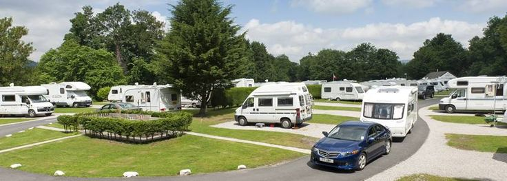 BOWNESS-ON -WINDERMERE DOG FRIENDLY TOURING CARAVAN SITE http://www.campingandcaravanningclub.co.uk/campsites/uk/cumbria/bownessonwindermere/braithwaitefold