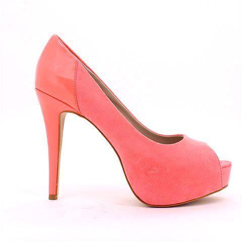 HYSTERIA heel in peach. #mybetsonBetts #BettsRaceDayReady #BettsShoes #shoes #heels