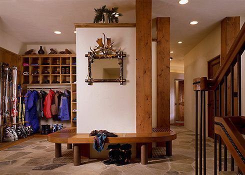 we need to install some ski display or storage. hard to find any examples of this online. share if you have some. cheers, dana board created by danarogersphotography.com