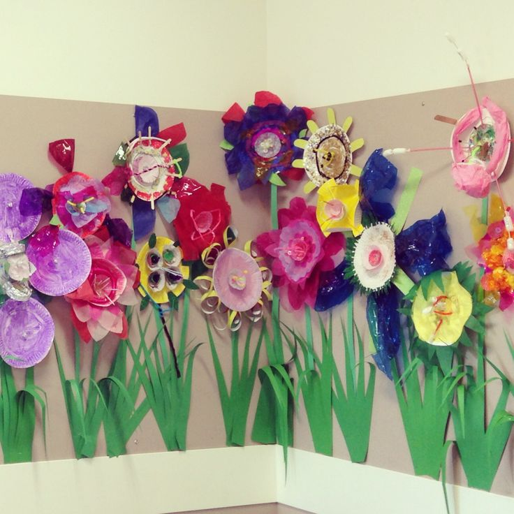 Spring - As part of our science unit on living things and life cycles students had learnt the parts of a flower – stamen, petals, pistil and sepal, and were asked to incorporate these features into their sculptures. http://mrsclareandmissm.wordpress.com/2014/03/25/spring-art/