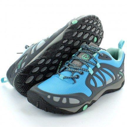 Merrell®, pioneros en acercarnos al terreno que pisamos gracias a su calzado minimalista, nos trae la  Merrell® Proterra.