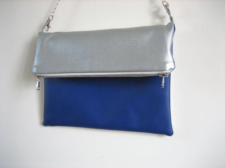 Pochette cérémonie ou sac élégant en simili cuir bleu et argent : Sacs à main par au-zizile-bazar
