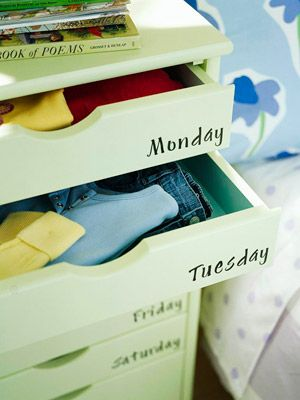 Neat way to organize clothes for a smoother and more efficient morning routine!
