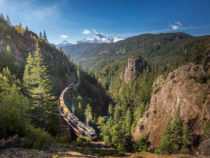 Spectacular views of Western Canada's natural beauty, gourmet cuisine…there are so many reasons you'll love a journey on the Rocky Mountaineer.
