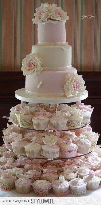 Niepoprawna Panna Młoda: Tort babeczkowy