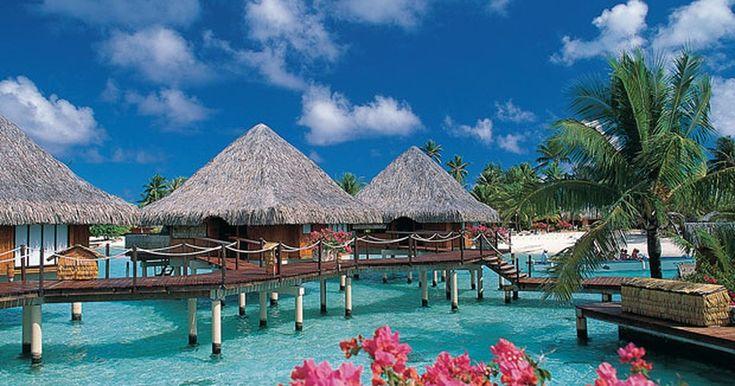 Romântica, ilha de Bora Bora é paraíso de casais em lua de mel