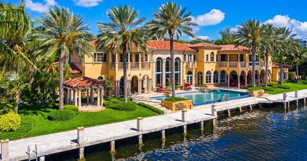 $13 Million Florida Home Includes Limousine & Wall Street Stock Trade Cave