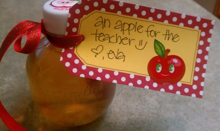 Super cute & cheap teacher gift. Bottle of apple juice and a cute tag :)