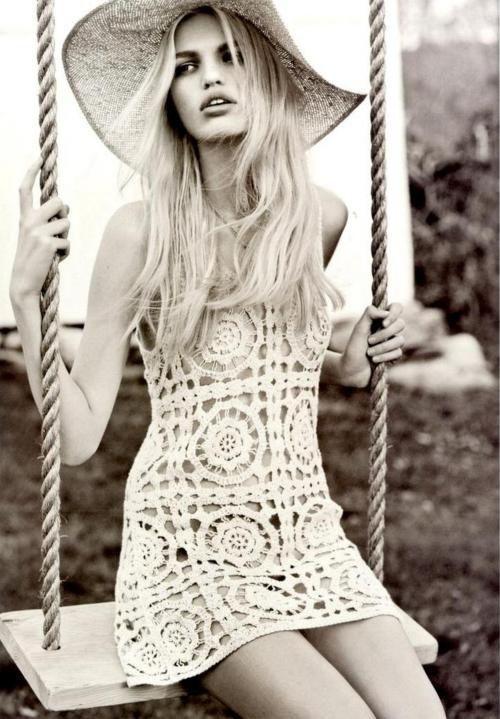 thdandeliongirl:    swinging. floppy hat. summertime.