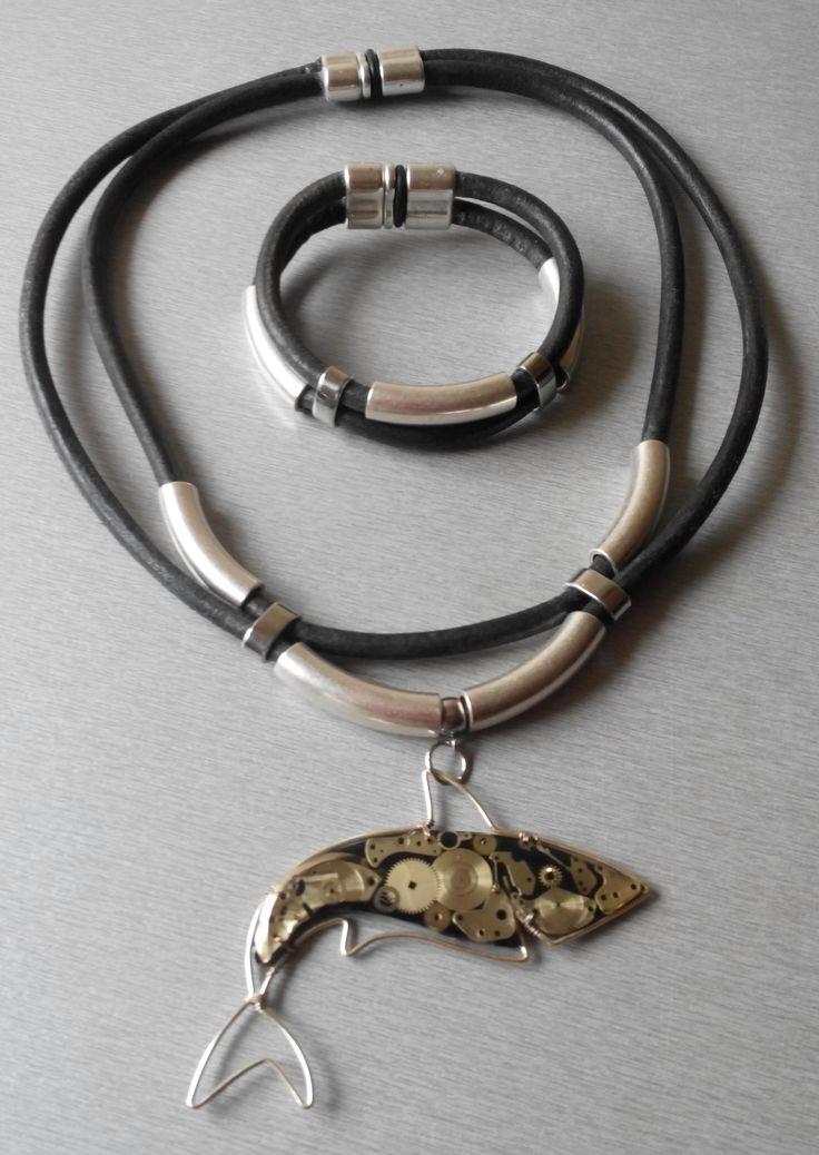 Комплект колье и браслет из винтажной кожи с подвеской в стиле стимпанк