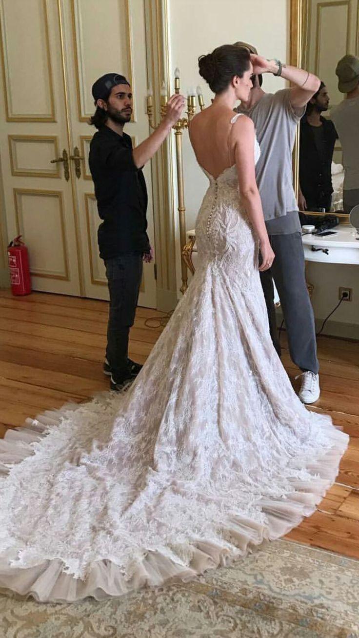 Fahriye Evcen. Wedding dress Love is all.