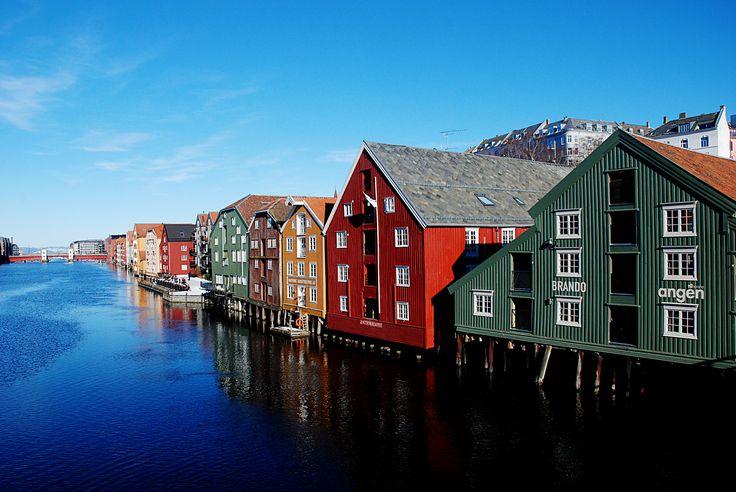 https://flic.kr/p/K6gRBH | Bakklandet. | Trondheim.  Six months in Norway.
