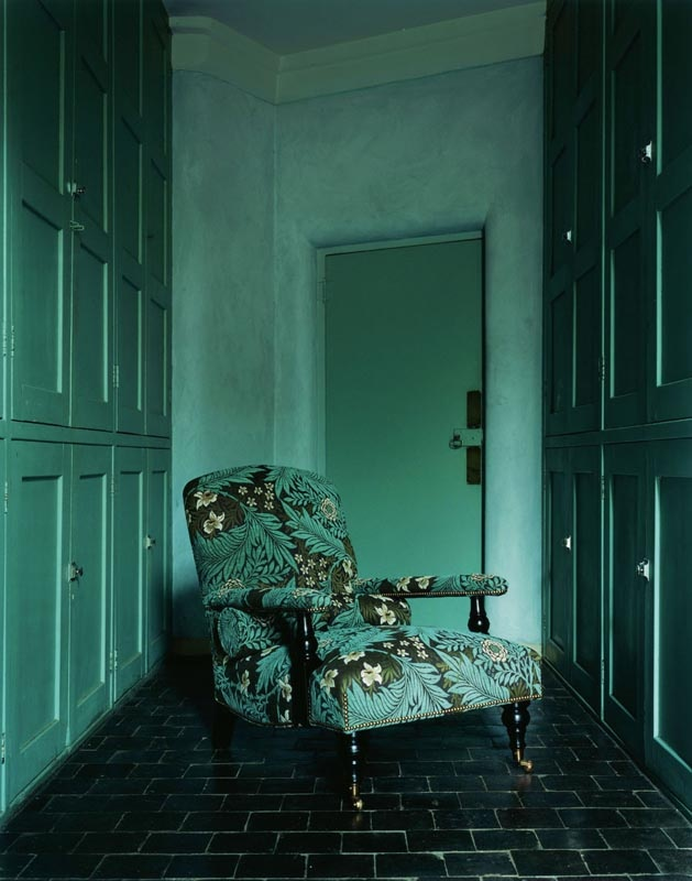 As the colour of the year 2013, emerald green has to be pinned to our colour board.