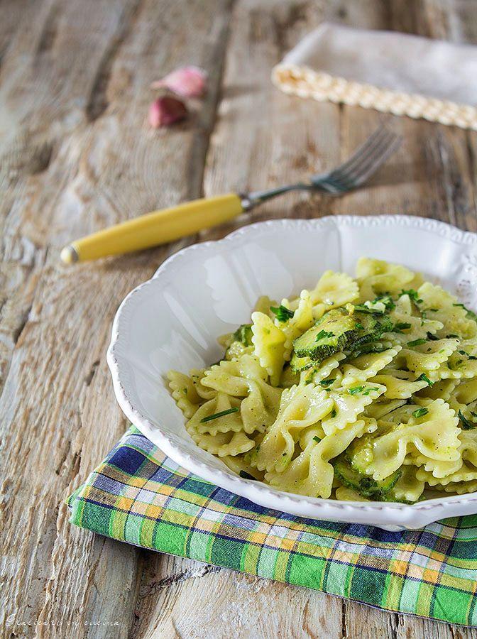 Pasta con zucchine e crema di formaggi semplice e gustosa #gialloblog  http://blog.giallozafferano.it/graficareincucina/pasta-con-le-zucchine-e-crema-di-formaggi/
