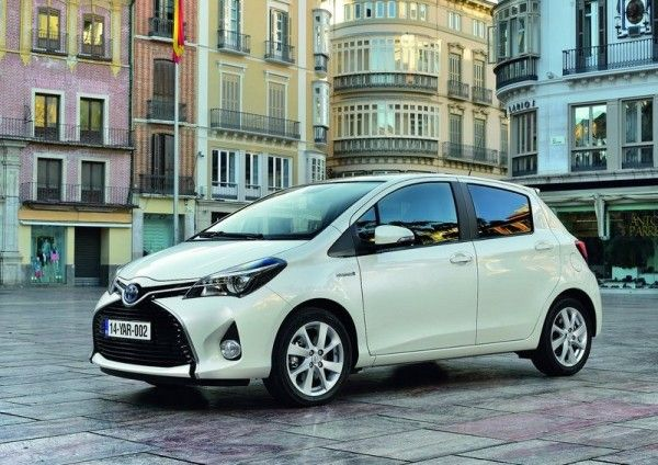 2015 Toyota Yaris Side Exterior 600x424 2015 Toyota Yaris Full Review with Images