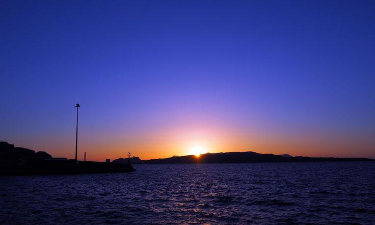 Athinios Port. Santorini, Greece | joanne-khoo.com