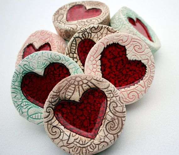 Ceramic Jammy heart featuring a rich red heart middle and comes in either ducegg, pink or brown.    Stunning Individually Hand Crafted by the
