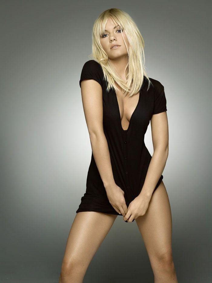 Элиша Катберт (Elisha Cuthbert) в фотосессии Джеймса Уайта (James White) для журнала Maxim (июль 2008)