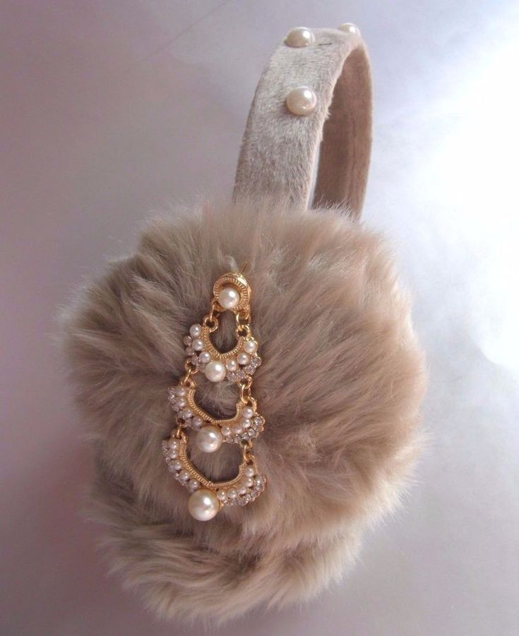 Scream Queens Ear Muffs Beige Billie Lourd Earmuffs Pearl Beaded Headband Fluffy #earmuffs #party