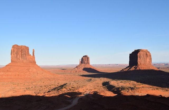 Vegas Girl: A Road Trip to Monument Valley and Canyon de Chell...