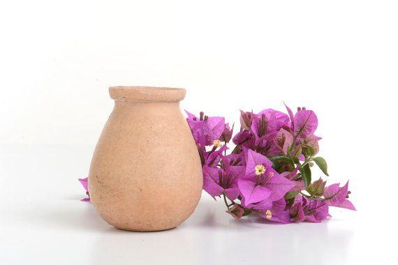 Pequeña vasija de barro jarrones de barro por Brocantebcn en Etsy #primitivedecorvases