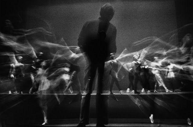 Gjon Mili. Choreographer George Balanchine watching New York City Ballet dancers rehearse in 1965
