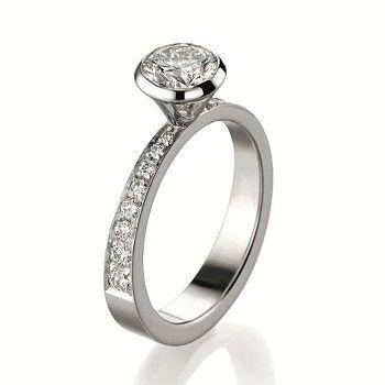 ソリテール パヴェ リング - GUCCI(グッチ)の婚約指輪(エンゲージメントリング) グッチのエンゲージリングをまとめました!