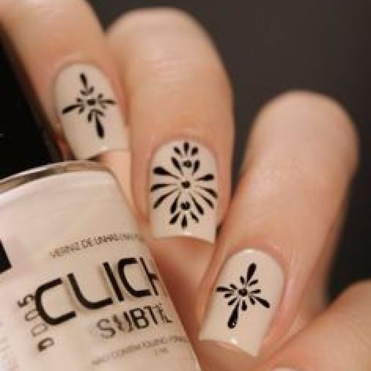 Dusty Pink And Black Nail Art