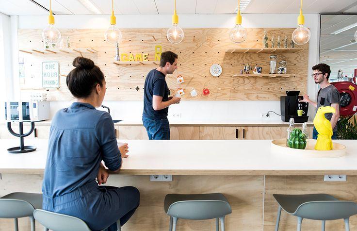 Studio Kustlijn Architecten - Bedrijfsverzamelgebouw Den Haag - kantoor interieur office interior idea keuken kitchen