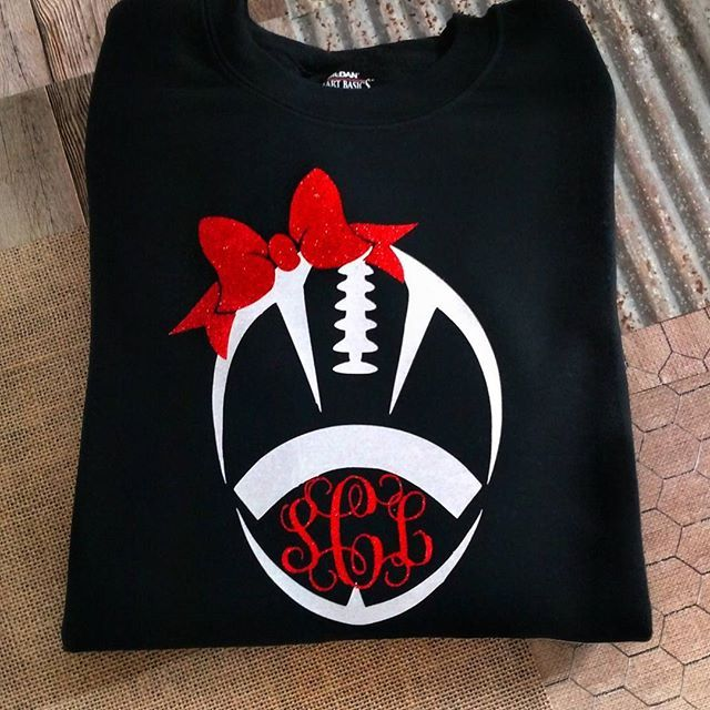 87367b84 This unique football design with Bow and monogram is a perfect gift! Add  your favorite players number to… | CRiCUT | Custo…