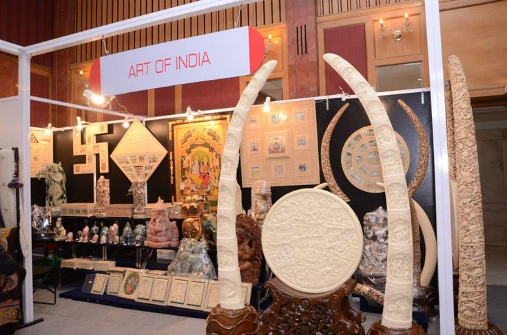 #ArtOfIndia from #Jaipur exclusively brings to #HouseFull beautiful #DecorativeHomeAccessories depicting various religions and reflecting the essence of India. #HouseFullExhibition #RamolaBachchan
