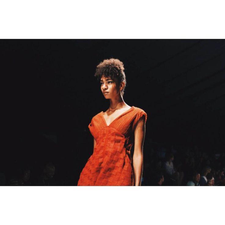 #laraklawikowski #AW2017 #MBFWCT17 #capetown #fashionweek #catwalk @afi_sa @deonredman @ghd_southafrica @maccosmetics 📷 @neonohetero