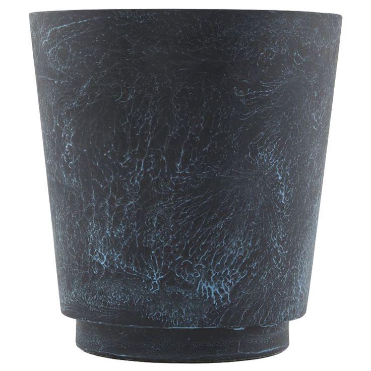 Planter kruka från House Doctor. En vacker och originell kruka som skiftar i ett blått marmorsken. P...