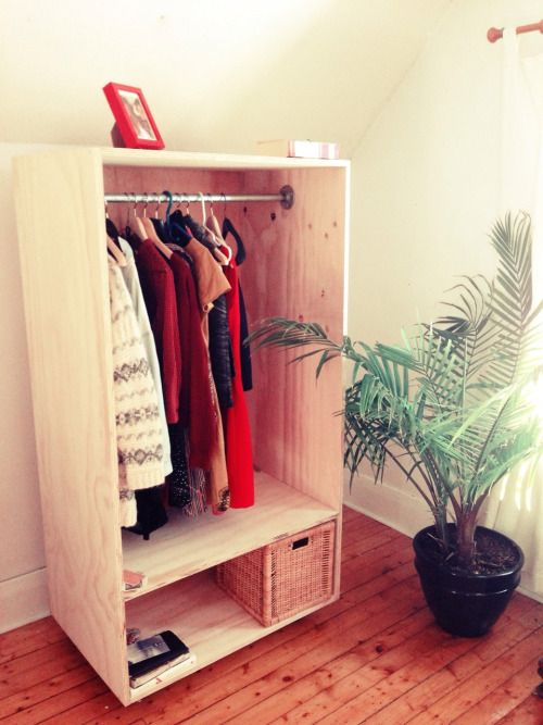Some DIY from the weekend: Freestanding closet on wheels.