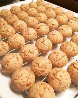 Baking Mom: Peanut Cookies