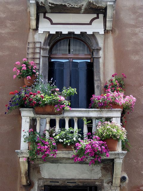 Venetian balcony window  I know i would like the person living here