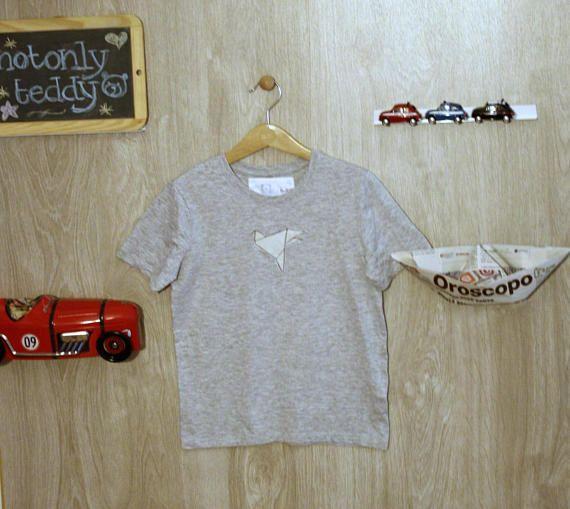 Guarda questo articolo nel mio negozio Etsy https://www.etsy.com/it/listing/544606343/maglietta-bimbo-maniche-corte-grigia-con