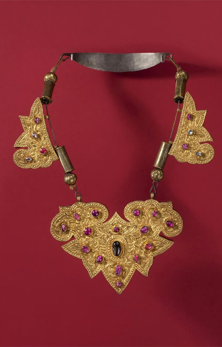 Indonesia ~ Bali | Necklace; gold, silver, rubies, diamonds and sapphires | 19th century   ||| {GPA}