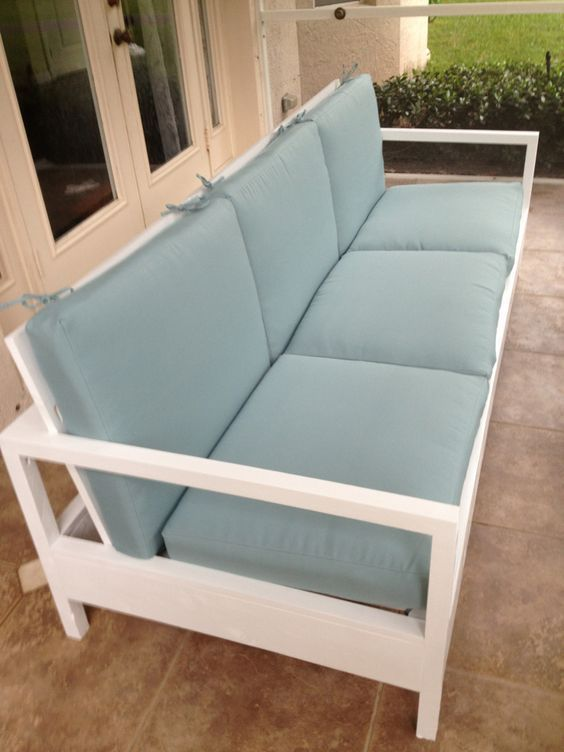 simple white patio sofa do it yourself home projects from ana white backyard ideas. Black Bedroom Furniture Sets. Home Design Ideas