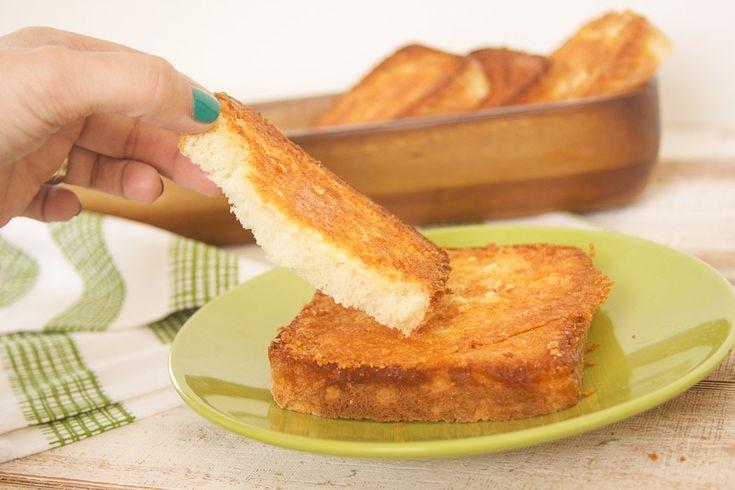 Der köstlichste Snack oder Beilage in Form dieses gerösteten Käsebrotes (…   – Yummo :)
